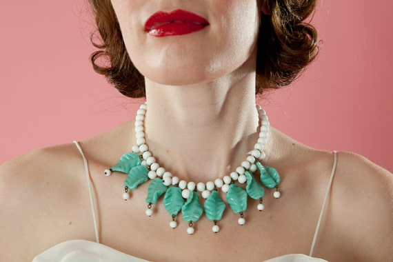 Vintage 1940s Glass Wedding Necklace Milk Turquoise Leaves 1930s Summer Bridal Fashions