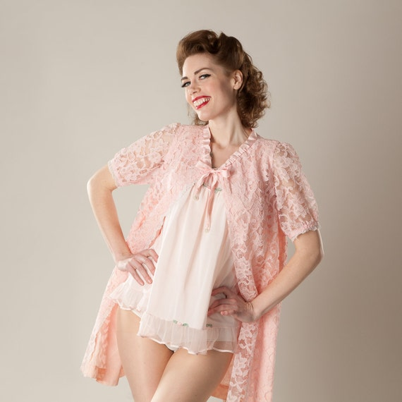 Vintage 1960s Pink Lace Robe Lingerie Bridal Trousseau Handmade Honeymoon