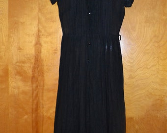 Sheer cotton dress from the 50's. Very small.