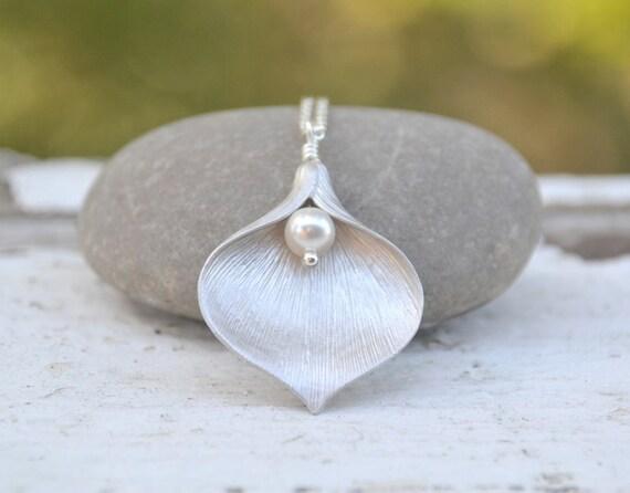 Elegant Matte Silver Calla Lily and White Swarovski Pearl Necklace