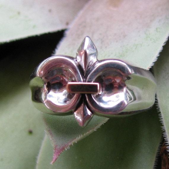 Stunning Fleur de Lis Sterling Silver Ring Eco-Friendly