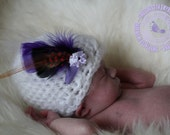 Baby Girl Hat, Crochet Baby Hat, White, Feathers, 0 to 3 months, Photo Prop, READY TO SHIP