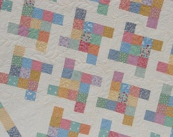 Quilt Pattern : Buns Over Band Box Quilt Pattern Throw or Queen Size QUICK and EASY