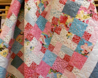 Quilt Patterns - Multiple Sizes - Layer Cake & Fat Quarter Friendly  Quilt Pattern - Candy Corners - Hard Copy version - FREE SHIPPING!