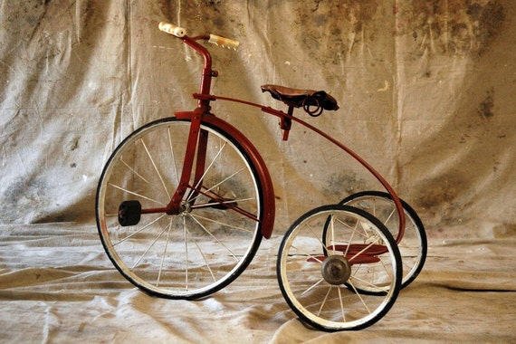 Red Riding - Vintage 40s Tricycle