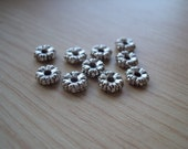 24 pcs Antique Silver Flower Spacer Beads - 6mm