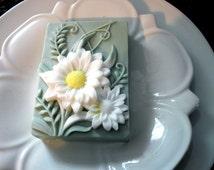 DAISY FLOWER SOAP, Custom Scented, Flower Soap, Garden Soap, Party Favor, Vegetable Based, Dimensional Daisies Soap
