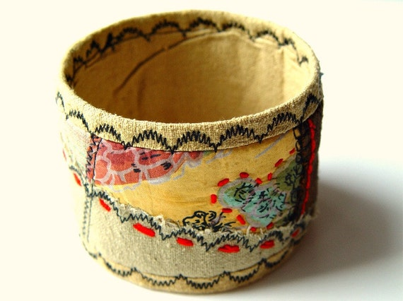Embroidered quilted silk bracelet - Autumn Journey