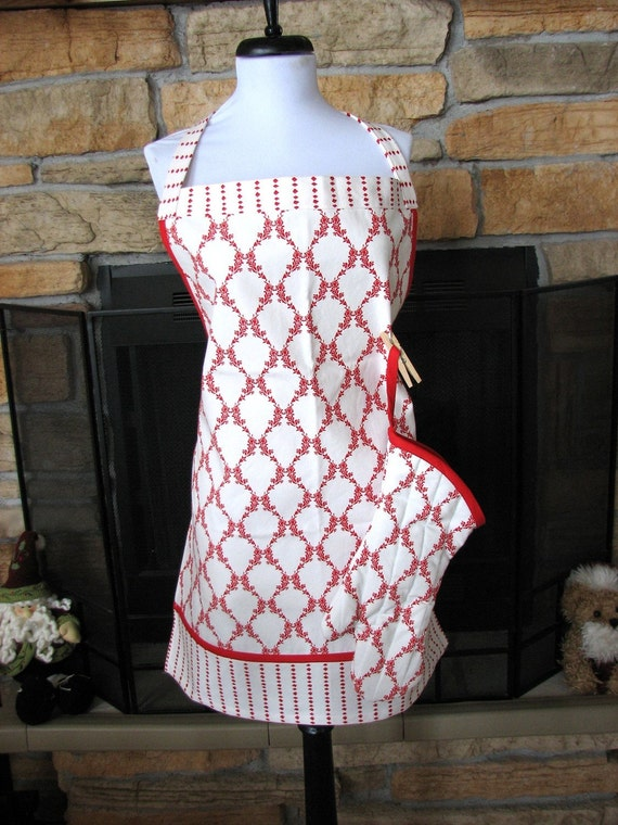 Red and White Damask Apron with matching Oven Mitt