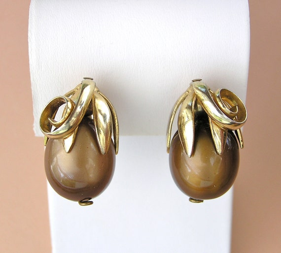 Vintage Napier Moon Glow Bead Clip Earrings