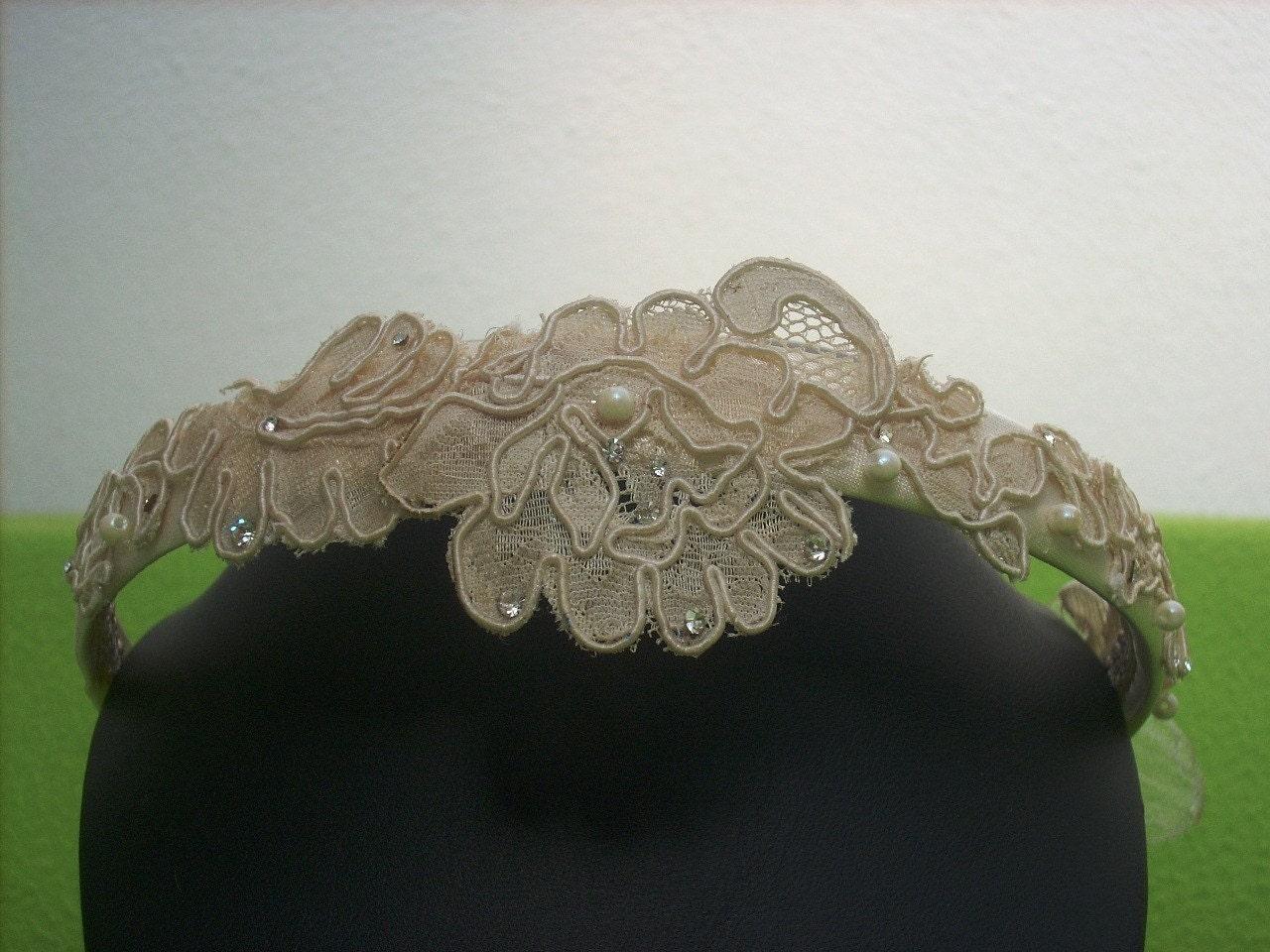 Encaje diadema para novia o comunion strass y perlas - Diademas de encaje ...