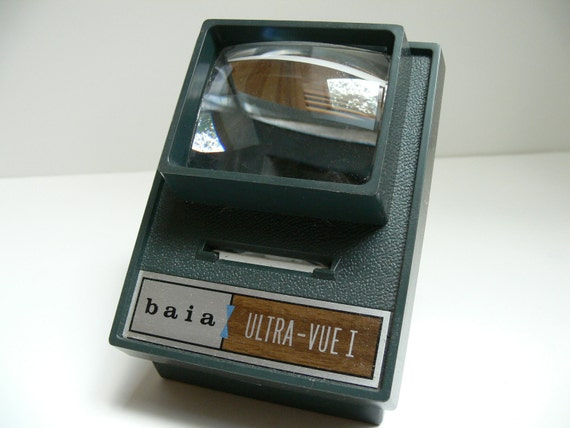 35mm Slide Viewer / Vintage Baia Ultra Vue with 2 new C batteries
