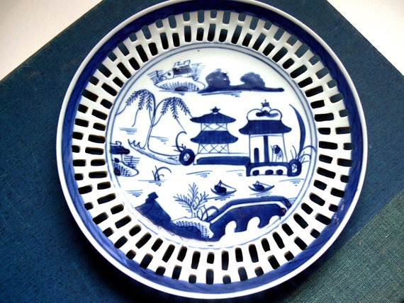 Antique Chinese Export Blue & White Reticulated Plate / Home Decor / Collectible