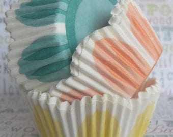 50 Tulip Cupcake Liners, Wedding Cupcake Liners, Floral Baking Cups, Birthday, Graduation, Garden Party Cupcake Liners