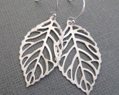 LOVE SALE Leaf earrings in silver. Bridesmaids Gift. Bridal Shower / Party. Everyday Wear.