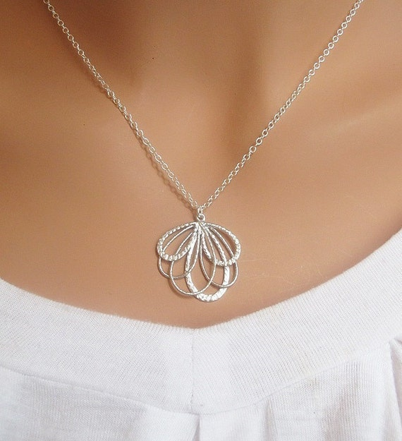 LOVE SALE FEATHER necklace in Silver