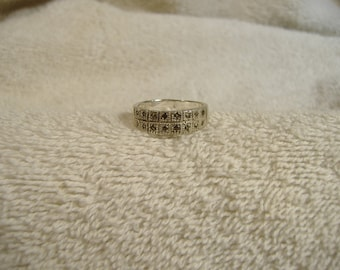 Vintage 1960s Sterling Silver Ornate Ring.