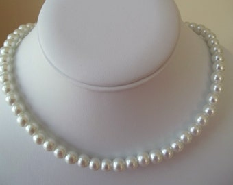 Pearl Bridal Wedding Necklace,White Pearl Necklace, Classic White Pearls, Elegant, Romantic,Bride Bridesmaid Single Strand Pearl Necklace