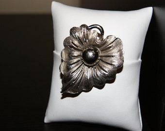 Silver Leaf-shaped Flower Brooch/Pin