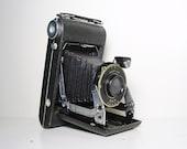 Vintage Kodak Camera Vigilant Junior Six-20 1940s Industrial Home Décor Collectible