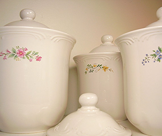 Ironstone Canister Pfaltzgraff Set Of 4 Meadow Lane White