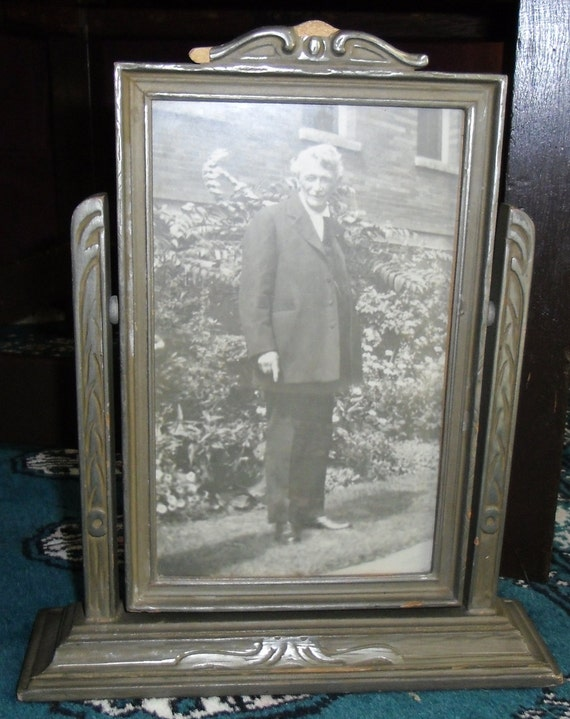 Vintage Picture Frame / Swing Frame Art Deco with Picture of Older Man