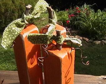 Primitive Pumpkin Trio Wood Autumn Decor 3 pc set Fall Centerpieces Shelf Sitters Party Supplies