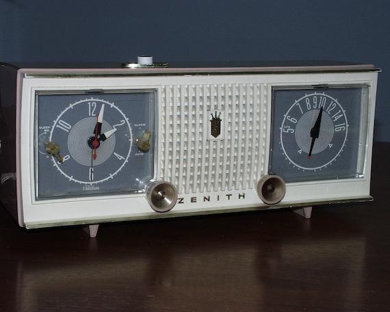 Zenith Z2000 CD Digital Clock Radio w/AM/FM/*TV/Weather ... |Zenith Clock Radio