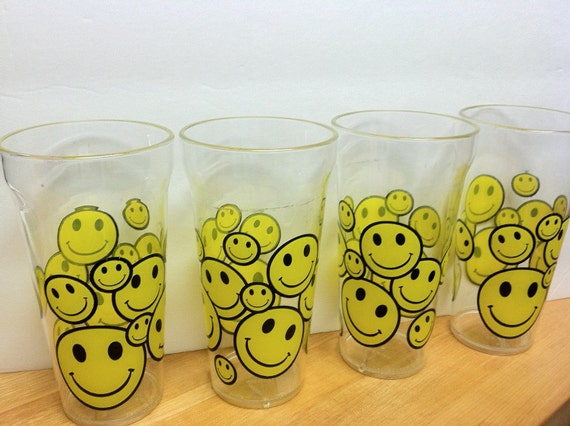 Smiley Face Plastic Tumblers Drinking Glasses