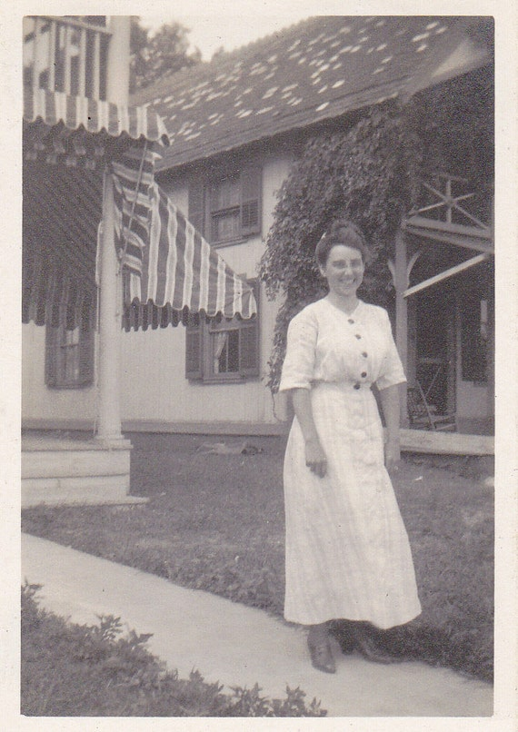 Spring Fashion- White Cotton Dress- 1910s Vintage Photograph