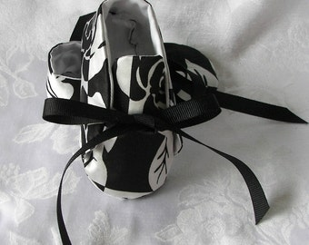 Sammy in Black and White Floral Satin Soft Sole Baby Shoes Baby  Booties size 3 6-9 months ONE OF A KIND