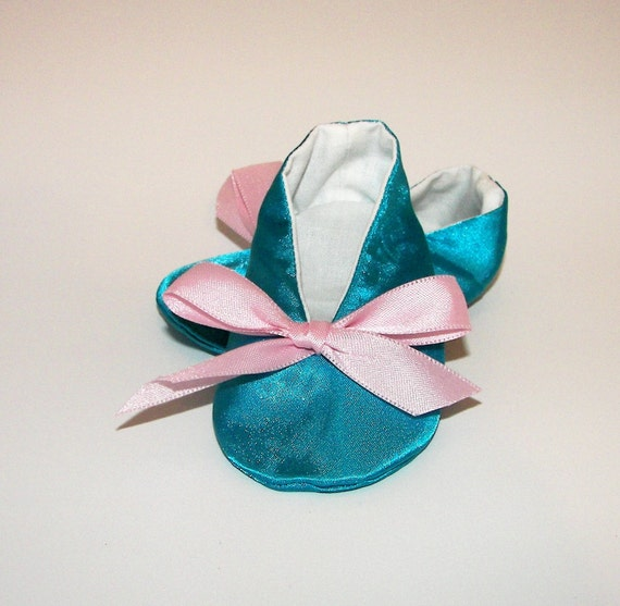 Joannie in Turquoise and Pink Soft Sole Baby Shoes Baby Booties size 2  3-6 months ONE OF A KIND