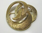 Vintage Monet Brooch Pin Gold Plated Swirl Knot