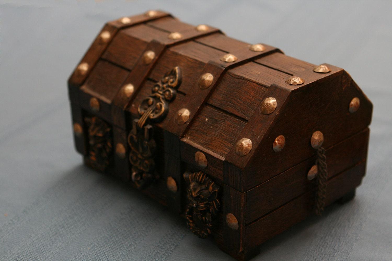 small vintage treasure chest jewelry box
