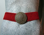 Vintage 1980s Red Stretchy Elastic Belt with Pebbled Gold Tone Buckle