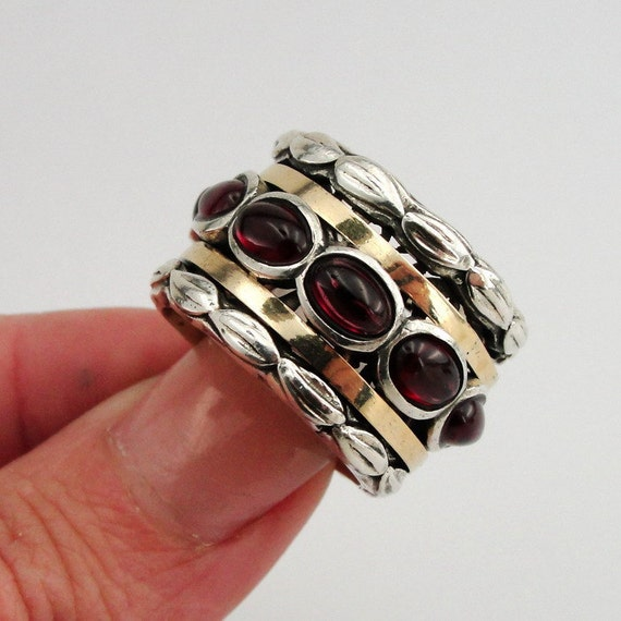 SPECIAL PRICE - New 9k Gold and Sterling Silver Garnet Swivel Band Ring size 7