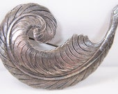 1930s Art Deco Finely Detailed Curled Feather Brooch 7.5cm