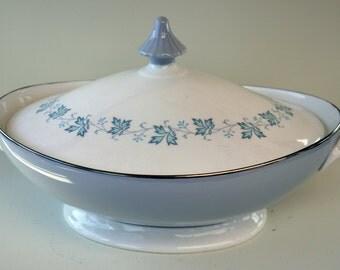 Vintage Tureen Bowl Royal Doulton Covered 'Lyric' 1965-1970