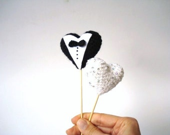 Wedding Cake Topper, Bride and Groom, Crocheted hearts, Wedding gifts, Black, White, Unique