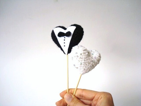 Unusual Wedding Gifts For The Bride And Groom : ... Bride and Groom, Crocheted hearts, Wedding gifts, Black, White, Unique