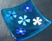 Fused Glass Plate, Flowers on Turquoise