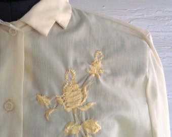 on sale: Vintage 1950s LEMONADE Blouse with Zig Zag Collar and Embroidery