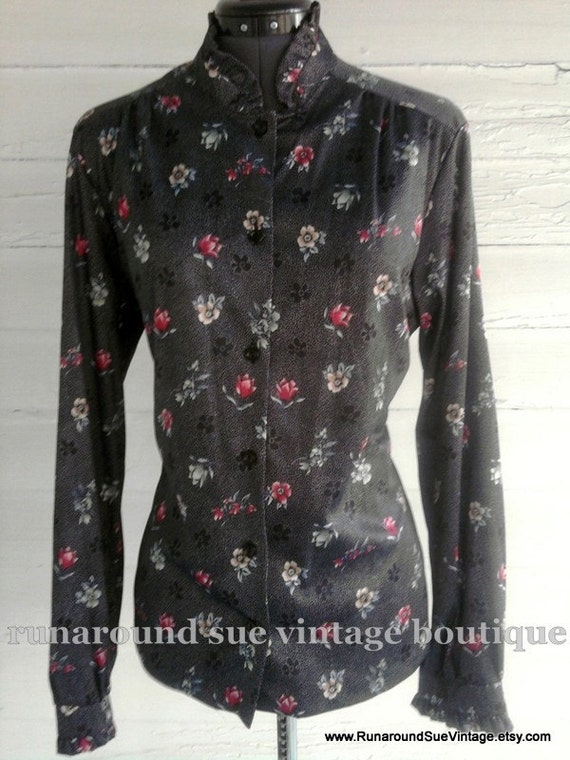 on sale : Vintage 1970s Dotted FLORAL Ruffle-Neck Blouse L