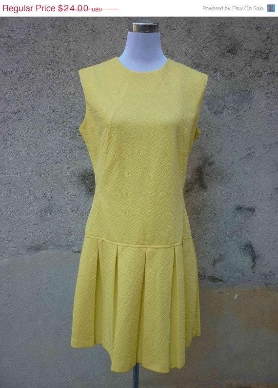 ON DAY SALE 30% Sale - Vintage 1960s Citrine Waistdrop Scooter Dress - Size Xl