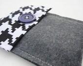 SALE - Houndstooth & Grey Wool Felt iPod Case - Free U.S. Shipping