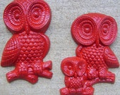 Vintage Owl Family In Red