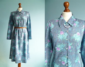 Vintage Floral Dress Blue Pastel / Buttoned Top / Long sleeve /  Collar / Classic Day Dress / Shirtdress / Midi / medium