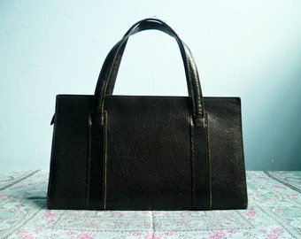 Vintage women leather handbag purse bag / black leather / mod handbag / 60s 70s / rectangular