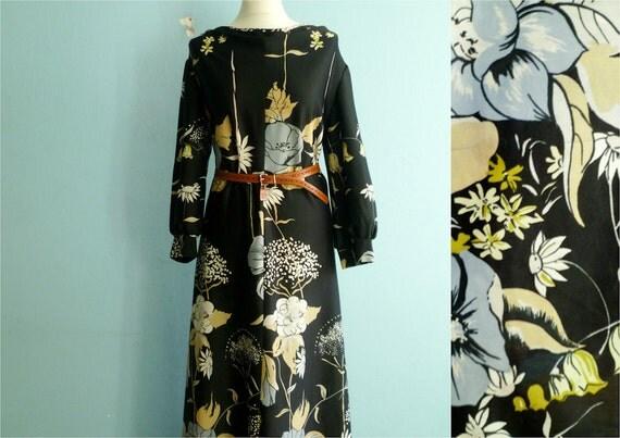 Vintage maxi dress /  floral print / black white grey yellow / boho / long / medium large