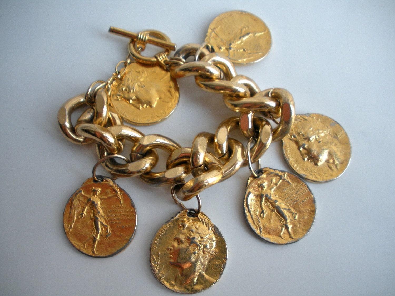 Vintage Italian Gold Tone Metal Coin Pendant Charm Bracelet
